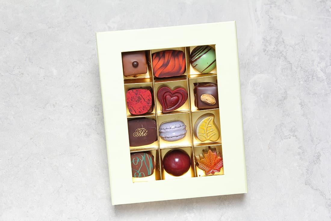 Boîte de 12 chocolats | Chocolats fins | Pâtisserie Chocolaterie Raffin
