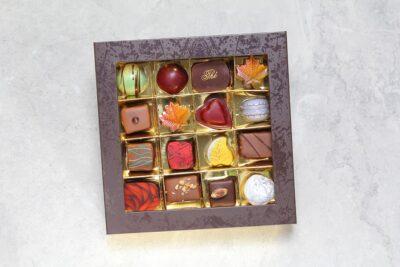 Boîte de 16 chocolats | Chocolats fins | Pâtisserie Chocolaterie Raffin