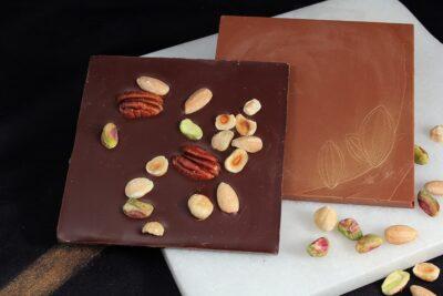 Tablette chocolat noix mélangées | Gourmandises chocolatées | Pâtisserie Chocolaterie Raffin